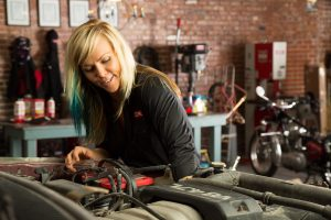jessi combs working on motor